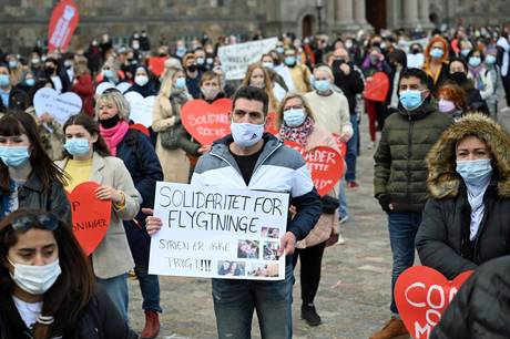 Debatten om hvorvidt Syrien er et sikkert land eller ej er hed i Danmark i disse dage. Ikke blot som her på Christiansborg Slotsplads, men også i kommunalbestyrelsen i Norddjurs.