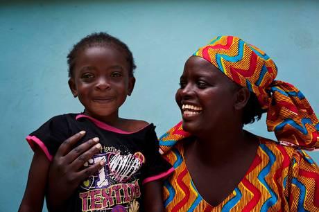 I børnebyer verden over tager SOS-mødre sig af forældreløse børn. Pressefoto