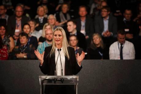 Britt Bager - her til landsmøde i hendes tidligere parti Venstre - er igen i fokus i en sag om finansiering af hendes valgkampe.