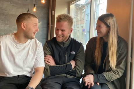 Simon Nielsen, René Vind Nicolajsen og Anaëlle Tims Macé er trekløveret bag den nye Restaurant Reel i Norsgade, som for første gang åbner for gæster 6. maj.