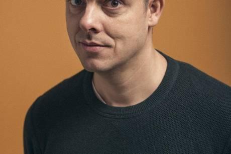 Komiker Michael er en del af årets Digital Tryg Konference for Skanderborg kommunes 7. kl. elever tirsdag aften.