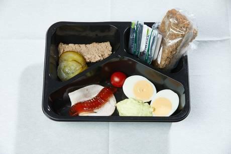 Byrådet vil have ny frokostordning undersøgt nærmere, før man eventuelt ændrer den.
