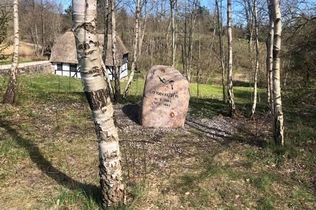 Mindestenen ved Ørnbjerg Mølle. Foto: Lars Norman Thomsen