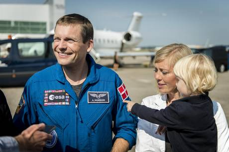 »Stort at blive sendt ud i rummet i en raket, men største fysiske udfordring var første gang, jeg sprang i faldskærm,.« siger astronaut Andreas Mogensen
