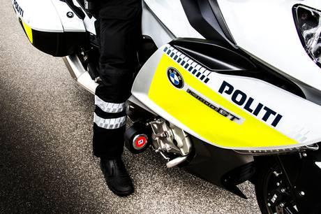 En færdselsindsats gennemført at Østjyllands Politi fangede to bilister, der kørte ræs blandt andre biler på Viby Ringvej.