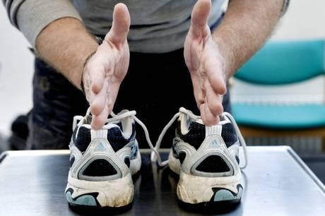 Kan løbesko gøre dig hurtigere, bedre eller ligefrem skadet? Eksperter luger her ud i udbredte myter og misforståelser omkring løbesko.