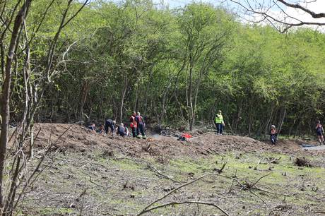 Der er tilkaldt en redningshelikopter til stedet, hvor en mandlig mountainbike-rytter søndag har været involveret i en ulykke. Foto: Presse-fotos.dk
