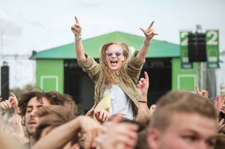 Regeringens krav gør det umuligt at afholde koncerter hen over sommeren, lyder det.