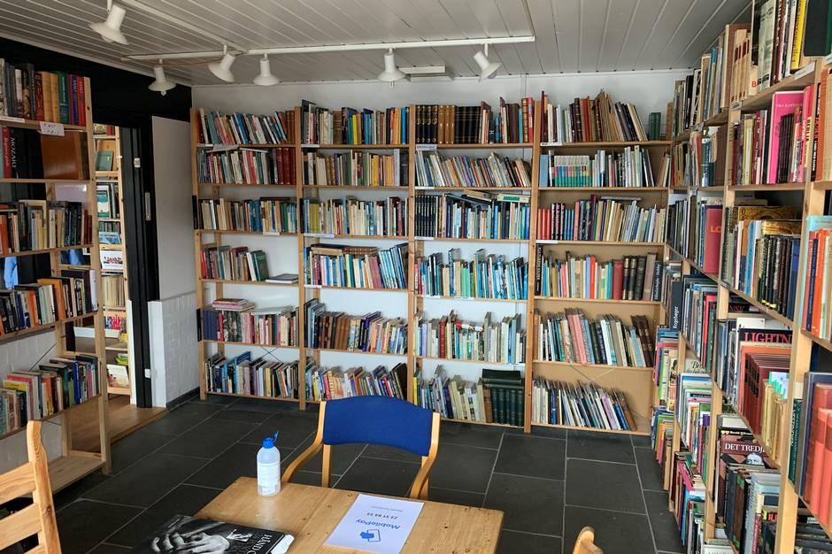 I butikken er der ryddet op på alle hylder og nye bøger kommet frem, så kom forbi og se selv, opfordrer BogBy Ebeltoft. Prfoto