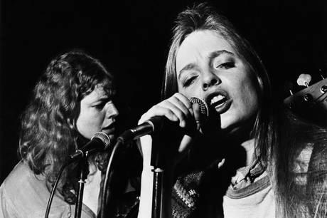 Anne Linnets sange opføres som musikforestilling. Publikum skal tilbage til livets bedste øjeblikke.
