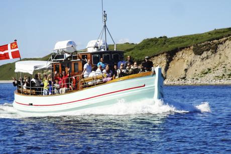Hyggelige MS Tunø sejler mellem Aarhus og Skødshoved i weekender og på helligdage