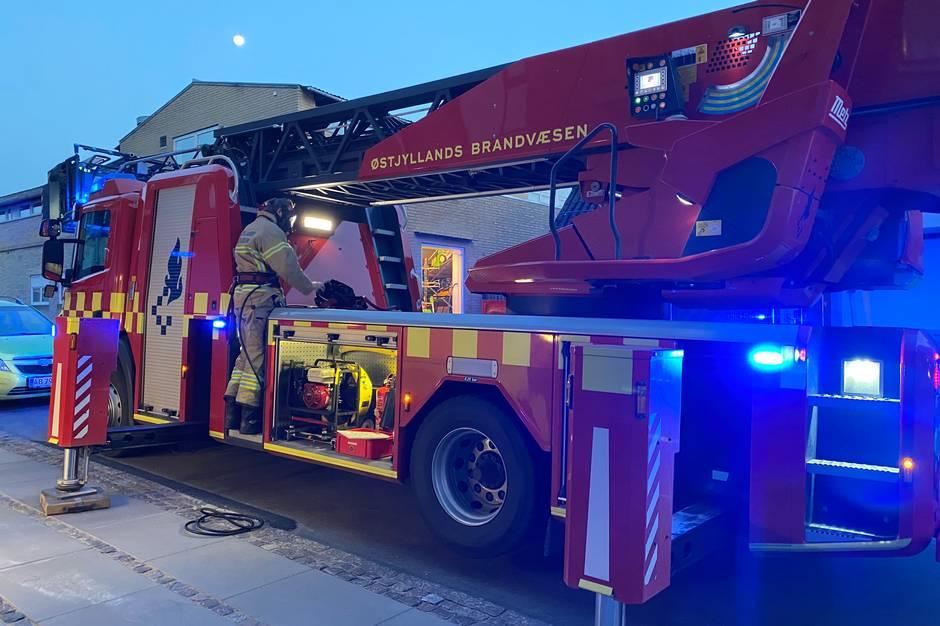 Det er endnu ikke fastslået, hvordan der opstod brand på mandens værelse på Plejecenter Tjørnehaven.
