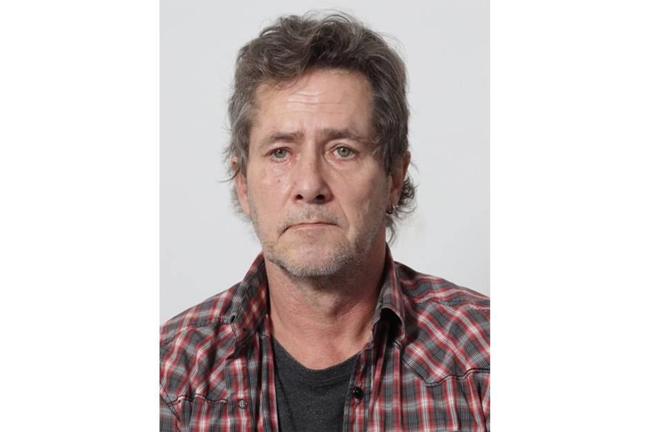 Narkodømte Henrik Lykke Christensen er på fri fod og efterlyses nu af Østjyllands Politi.