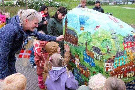 Bytoften i Galten har fået en Fortællesten, som er værd at besøge. Den viser masser af kendte steder til glæde for unge som gamle.