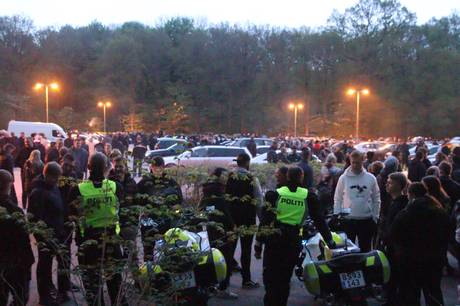 Onsdag aften og natten til torsdag kørte omkring 100 biler rundt i Aarhus. Flere af dem kørte ulovligt, oplyser politiet.