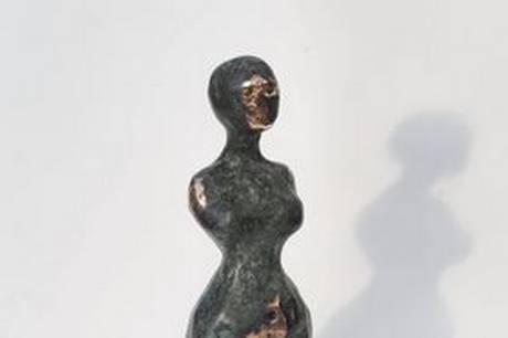Et af Nina Hansens værker i bronze. Prfoto