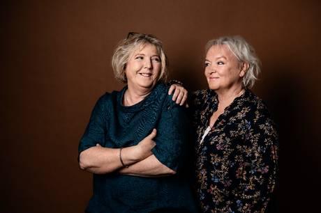 Mød forfatterne til 'Hundeungerne, Pernille Plaetner (tv.) og Marianne Rohweder, hos Trangbæk på Røndes hovedgade lørdag klokken 11 og få en autograf. Pressefoto