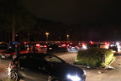 Cars & Coffee-demonstranter fik bøder, blev anholdt og var i uheld i det østjyske