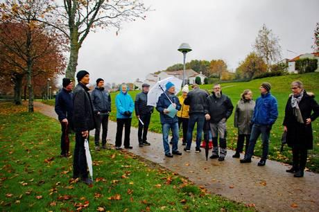 To Rønde borgere, Carsten Skivild og Erling Mikkelsen, begge lige nu engageret i arbejdet med at forny Rønde Bypark, opfordrer i en skrivelse til PUK-udvalgsformand og kulturchef, at der bliver taget hånd om en række presserende ting, så både unge og naboer bliver venligere stemt over byens grønne oase