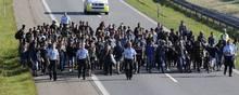 Udlændingeminister Mattias Tesfaye opruster i kampen mod udlændinge, f.eks. asylsøgere, som snyder med deres identitet. Her er det et arkivfoto fra september 2015, hvor Danmark fik besøg af store flygtningestrømme. Foto: Martin Lehmann
