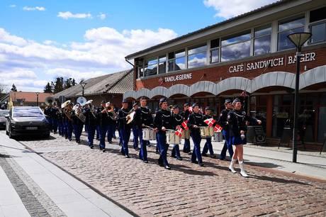 Hinnerup Garden kan opleves i Hinnerup centrum, når 36 danske garderkorps markerer genåbningen med musik i gaden