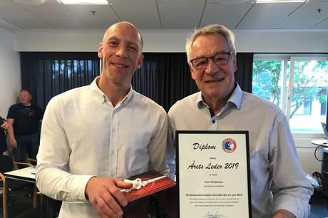 Jens Christensen (th), formand for Skanderborg Håndbold, er i clinch med Skattestyrelsen, der mener, at der mangler dokumentation i en længere række tilfælde, hvor klubben har udbetalt skattefri omkostningsgodtgørelse til  trænere og frivillige. Arkivfoto