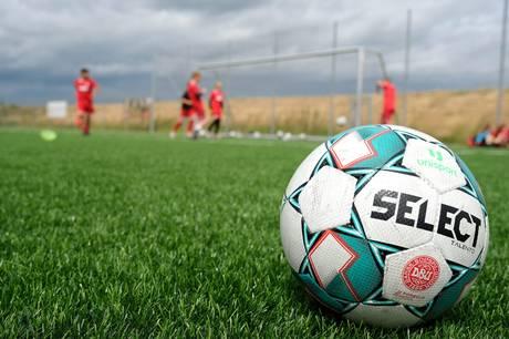 Nimtofte borger inviterer til motionsfodbold hver lørdag på Nimtoftes gamle og hæderkronede fodboldbane. Alle kan være med.