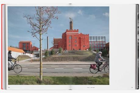 'Folkets fabrik' hedder ny bog, der via manges stemmer og flotte fotos genfortæller hvordan Maltfabrikken blev til det samlende kultursted i Ebeltoft.