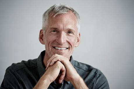 Læge og forfatter Jerk W. Langer fortæller om effekten af collagen i kosten og giver gode råd til at komme i gang med anti-inflammatorisk kost. Foto: John Bendtsen