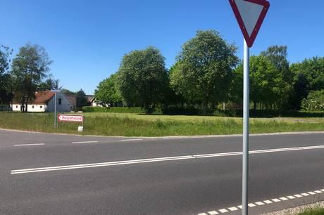 Lars Bugge Jensen, snart indehaver af familiegården Kragelund mellem Ryomgård og Nimtofte, måtte rykke for et svar fra Syddjurs Kommune