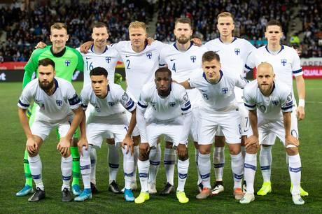 Finland er for første gang med til et europamesterskab i fodbold. Her skal de dyste med blandt andre Danmark om at komme videre fra gruppen. Og særligt én spiller bliver altafgørende for finnerne.