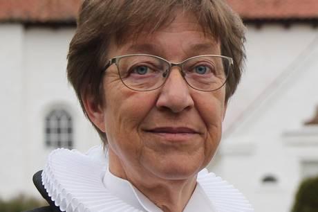 Lise Palstrøm fortsætter på halv tid som sognepræst i Veng-Mesing. Prfoto