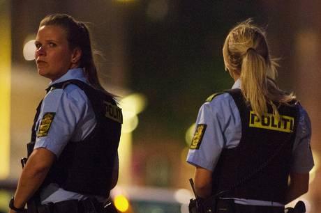 To grupper med af unge mænd var torsdag aften oppe at slås ved Regnbueskolen.