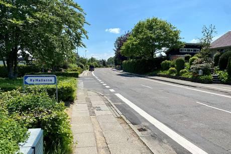 Thorsvej i Ry får nu en ny cykelsti. Endelig.
