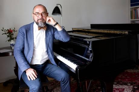 Efter historie om seksualiseret miljø i DR's pigekor trækker daværende chefdirigent Michael Bojesen sig fra posten som bestyrelsesformand i Statens Kunstfond.