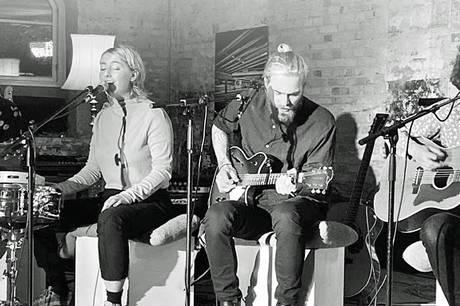 Fire unikke sangskrivere i Pavillonen.