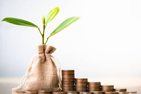 Danskernes investeringer i ETF'er blev tredoblet i 2020. Læs her om fordele, ulemper og muligheder ved de brede investeringsfonde.