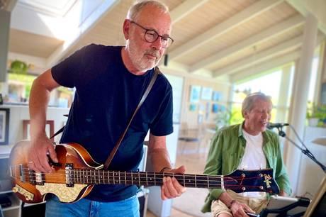 De har alle rundet 70 år og været en del af et band, der startede i 1966. Nu er fem modne, men ungdommelige herrer samlet i ny musikalsk konstellation.