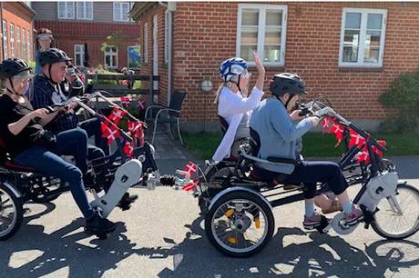 Donation fra Salling Fonden på 187.750 kr. til Landsbyen Sølund er brugt til indkøb af to 4-personers el-cykler