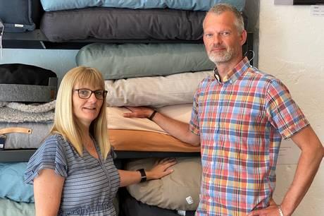 Maria og Bo Møller har åbnet The Woof Pack i Borggade – en butik med eksklusivt tilbehør og naturlige snacks til hunde i alle størrelser.