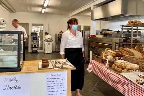 Det populære økologiske bageri, som tidligere lå i Mejlgade, er nu åbnet i nye lokaler I Åbyhøj. Jeremy savnede sine kunder.