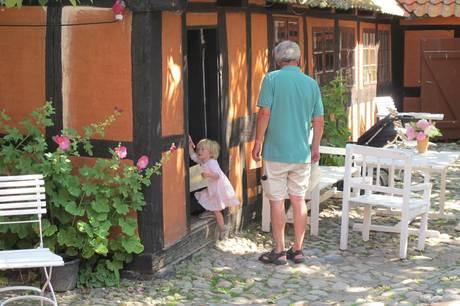 I sommerferien kan alle børn gætte med, når Museum Østjylland inviterer til skattejagt på Farvergårdens hemmeligheder.