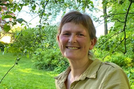 D. 15. juni fyldte Heidi Bisgaard, kirkebogsførende sognepræst i Ebeltoft-Dråby-Handrup Sogn, 50 år. Det gav anledning til en snak om præstegerningen, det særlige ved hendes sogn, og hvorfor kriser kan være nødvendige.