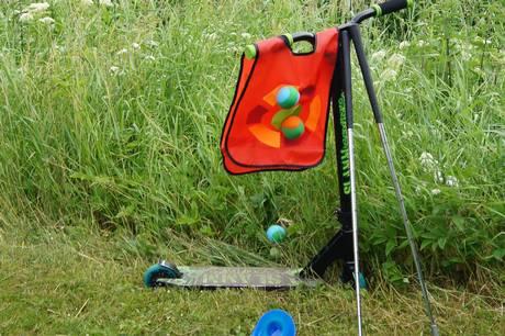 Lån legetøj eller prøv eksempelvis bungee-trampolinen i Hadsten.