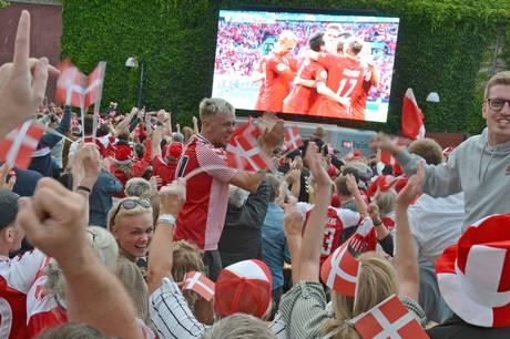 EM-festen sluttede desværre med et nederlag i semifinalen mod England - men sikke dog et fodboldbrag i Grenaa.