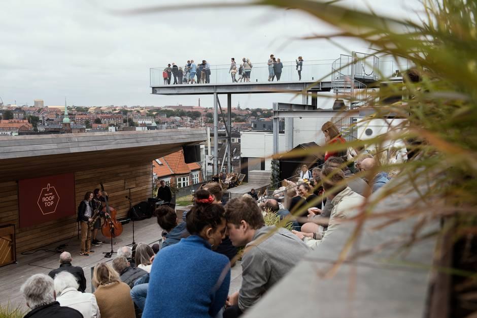 Vi er midt i Aarhus Jazz festival, og der er mere end 100 koncerter tilbage i alle prisklasser. Her bringer vi et udpluk af dem, der er gratis.