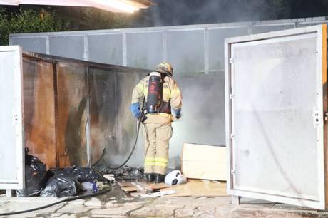 Både fredag og søndag har der været ild i affaldscontainere.