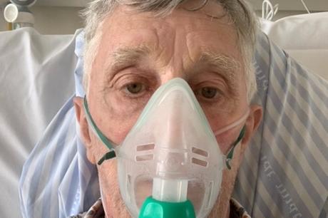 75-årige Ebbe Johnsen har halskræft og oplever systemet indefra. Han forstår ikke, at sygeplejerskerne ikke bliver hørt af politikerne.