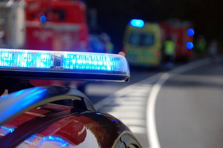 En ung kvinde mistede kontrollen over sin bil.