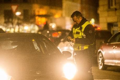 En kvindelige bilist valgte fredag aften at tage bilen i påvirket tilstand, men blev stoppet af politiet i Ebeltoft.